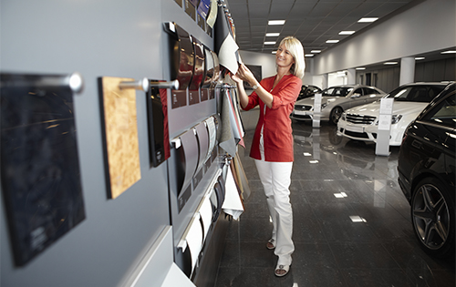 Automotive_IndoorApp_DealerShowroom jpg
